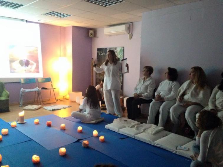 milagros herrera medium espiritual terapeutico sanacion barcelona mudras (41)